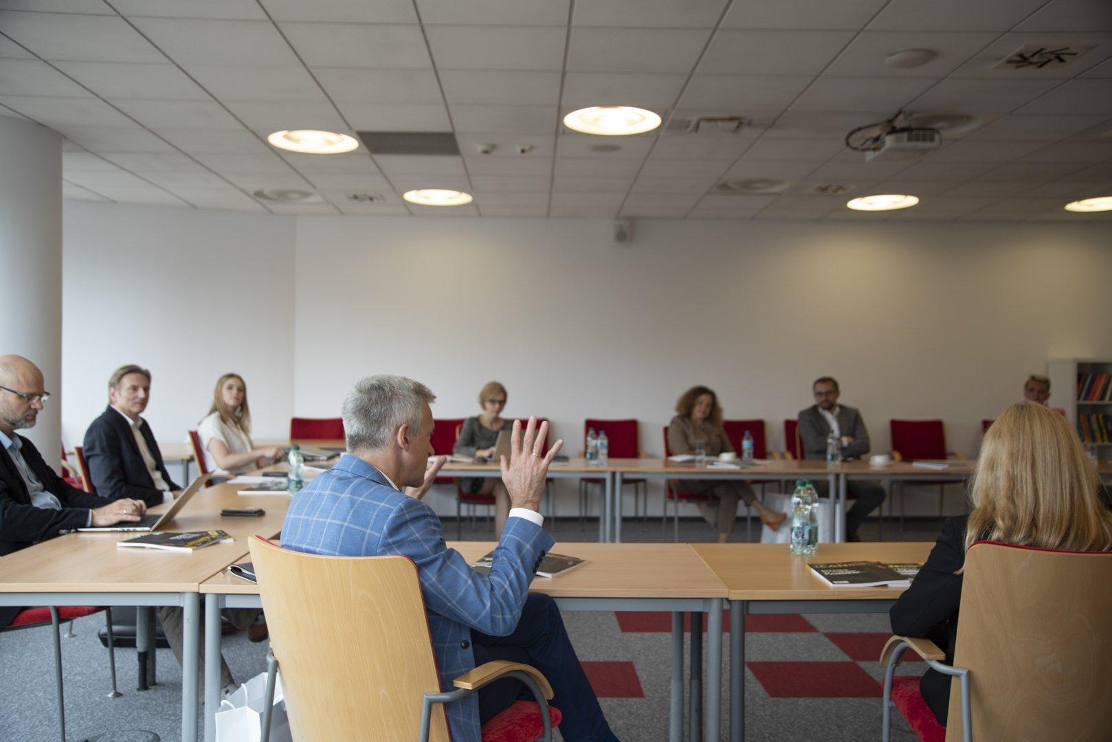 """Postawcie na wartości!Pierwsze spotkanie Rady Programowej """"ICAN Management Review"""""""