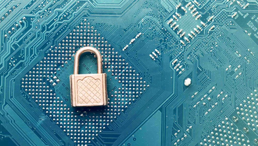 Bezpieczny CFO: internetowe zagrożenia ijak sobie znimi radzić
