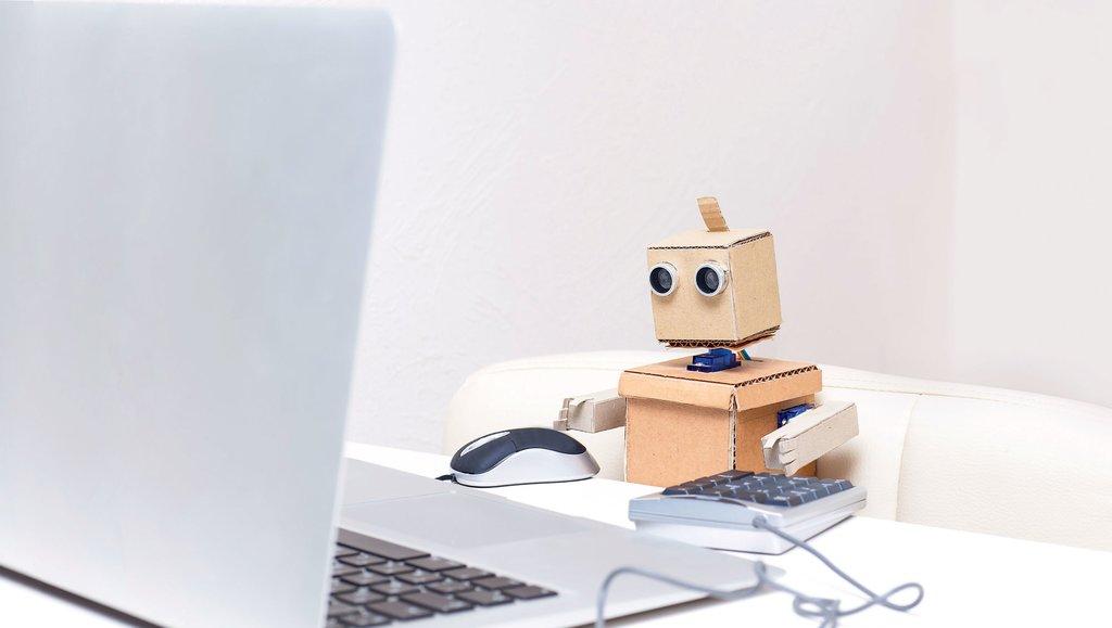 Roboty wkraczają do biur