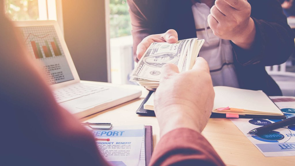 Darmowe chwilówki – jak działają promocje firm pozabankowych?