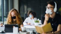 Co ztą nową biurową normalnością? 7 obszarów zmian wstrategiach środowiska pracy