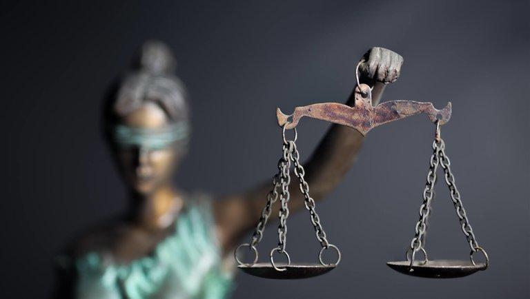 Sztuka wróżenia z(sądowych) fusów: 3 wskazówki, które pomogą chronić twoją firmę
