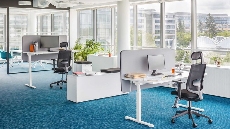 Zapanuj nad rotacją pracowników dzięki nowoczesnej aranżacji przestrzeni