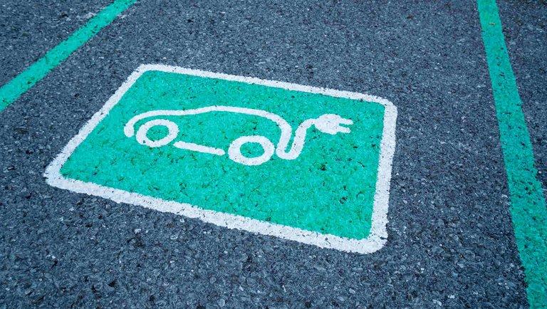 Elektromobilność bez zasilania