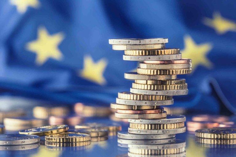 Dofinansowania unijne – kto iwjaki sposób może się onie ubiegać?
