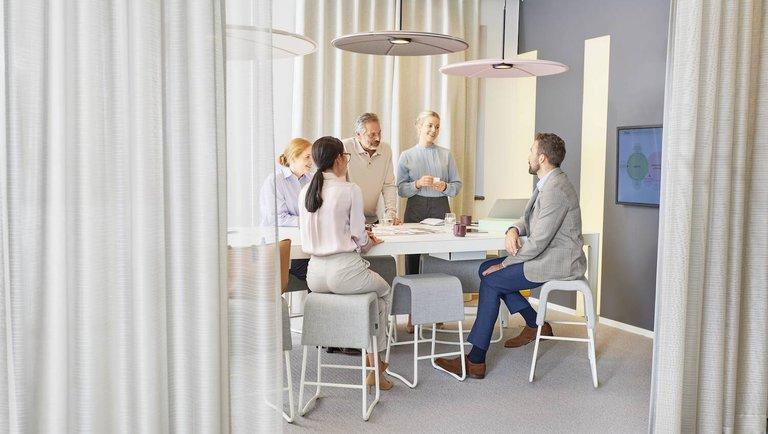 Definiowanie środowiska pracy na nowo. Przyszłość biur – jak się do niej przygotować?
